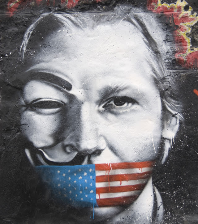 Anonymous Dumps Long-Time Ally Wikileaks [VIDEO]