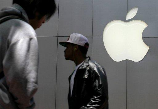 Apple on Tuesday reported that revenue and profit rocketed to record highs in the recent quarter