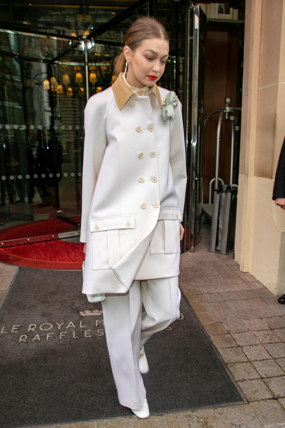 Gigi made another case for monochromatic dressing with this outfit she wore on her way to shows in Paris.