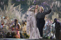 <p>Jennifer Lopez con la madre, Guadalupe (Photo by Jordan Strauss/Invision/AP)</p>