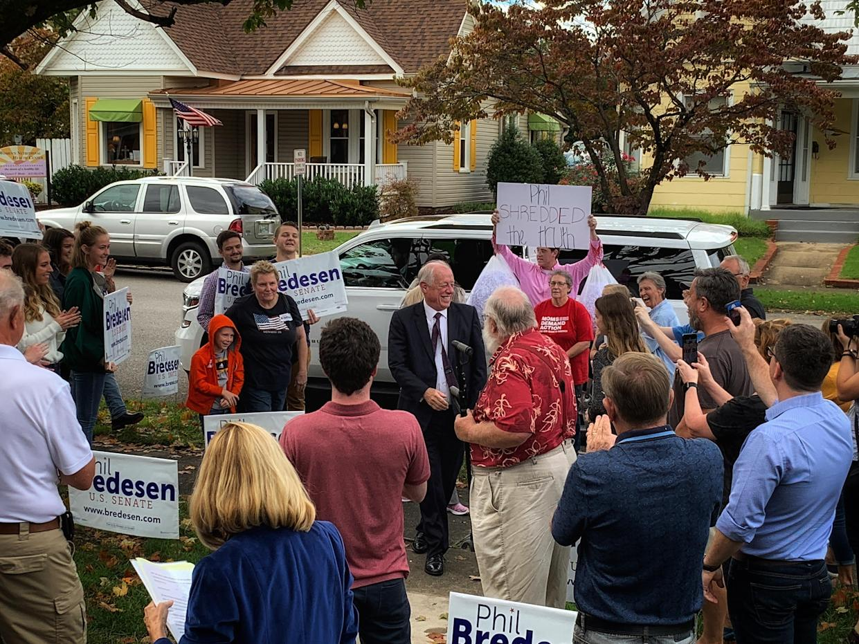 A GOP protester heckles Phil Bredesen as he arrives at a campaign event in Johnson City, Tenn. (Photo: Holly Bailey/Yahoo News)
