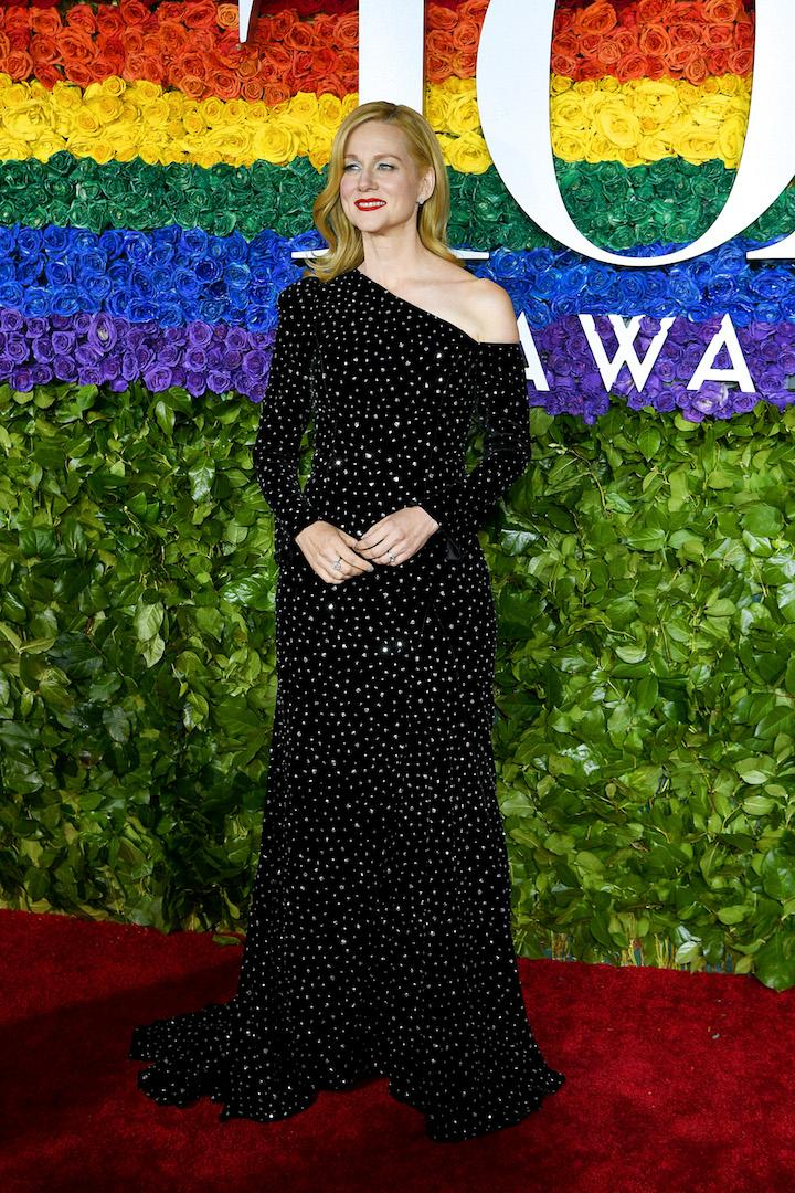 'Ozark' star Laura Linney chose a shoulder-bearing number by Christian Siriano for the starry bash complete with a lick of red lipstick. <em>[Photo: Getty]</em>