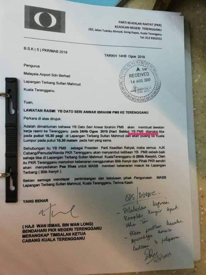 Anwar was referred to as 'PM8' twice in the letter. — Picture via social media