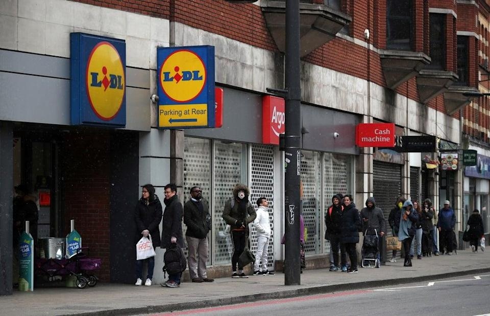 Supermarket sweep: transport secretary recommends bargain hunters buy tests from Lidl  (REUTERS)