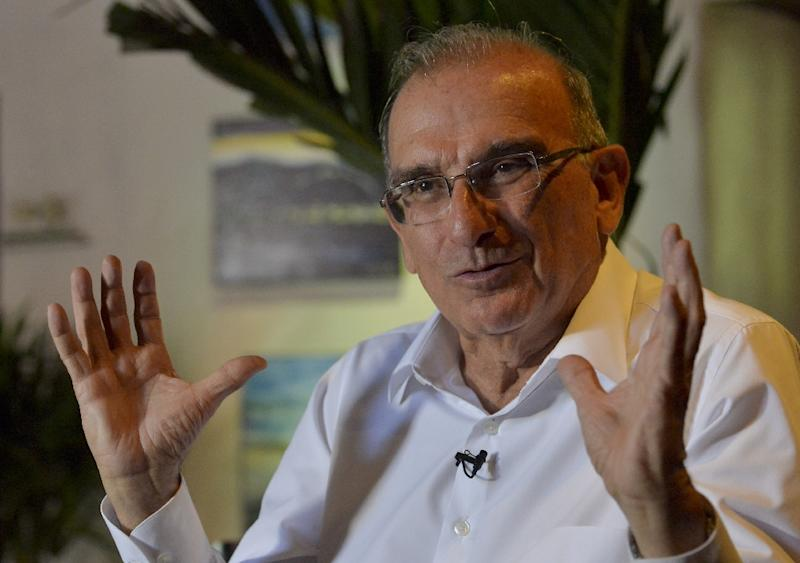 The head of the Colombian government delegation for peace talks with the FARC guerrillas Humberto de la Calle speaks during an interview with AFP, in Cartagena, Colombia (AFP Photo/Luis Robayo)