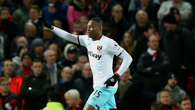 Struggling West Ham are set to receive a boost with striker Diafra Sakho declaring himself fit to return for the Premier League side.