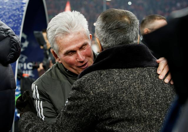 Soccer Football - Champions League Round of 16 First Leg - Bayern Munich vs Besiktas - Allianz Arena, Munich, Germany - February 20, 2018 Bayern Munich coach Jupp Heynckes greets Besiktas coach Senol Gunes before the match REUTERS/Michaela Rehle