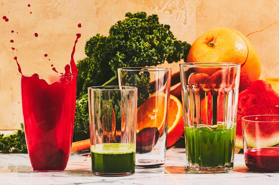"""<h1 class=""""title"""">Best Juicers Review Inset</h1><cite class=""""credit"""">Photo by Chelsea Kyle, Prop Styling by Beatrice Chastka, Food Styling by Olivia Mack Anderson</cite>"""