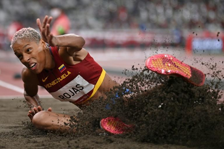 Rojas won gold in the high jump at the South American Games of 2014, but changed to the triple jump that same year