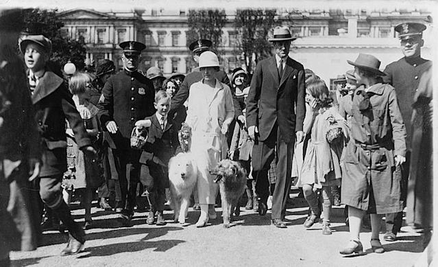 <p>First lady Grace Coolidge receives children for the Easter Egg Roll at the White House in Washington, April 1925. (Photo: Library of Congress) </p>