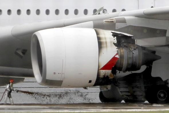 Superjumbo's mid-air explosion due to badly built oil pipe, says investigation