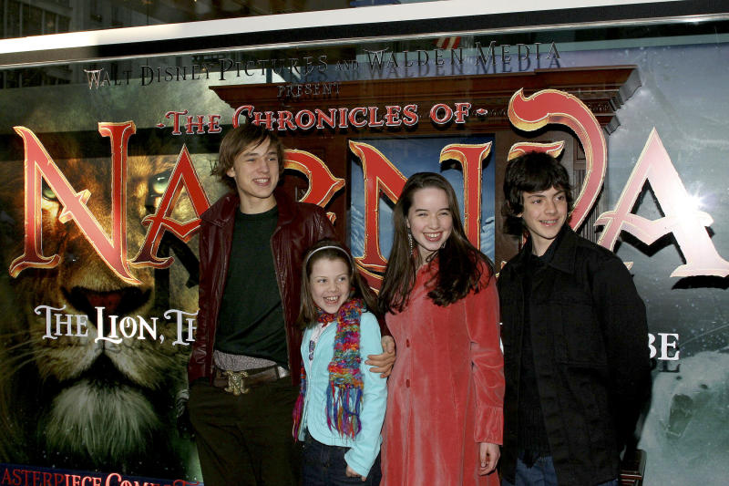 "NEW YORK - NOVEMBER 19: (L-R) The Cast Of ""The Chronicles Of Narnia"" William Moseley, Georgie Henley, Anna Popplewell and Skandar Keynes arrive for an appearence at the Disney Store on November 19, 2005 in New York City. (Photo by Scott Wintrow/Getty Images)"