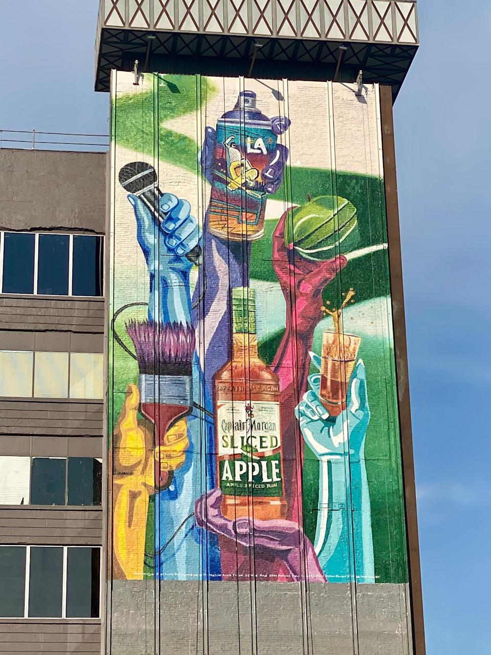 Captain Morgan Sliced Apple Celebrates The LA Community with New Mural by Local Artist MADSTEEZ