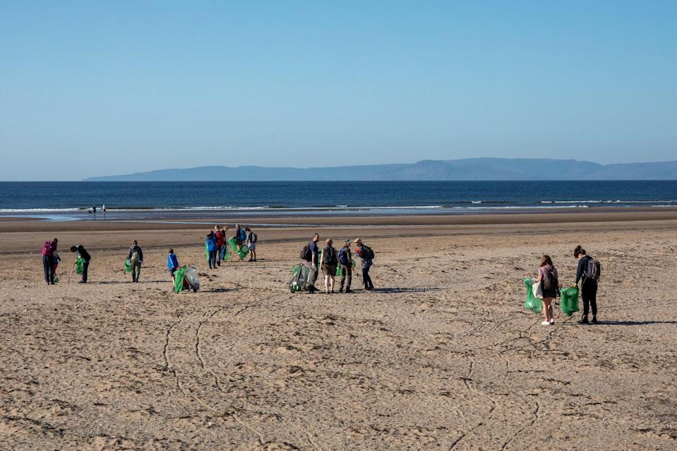 Conservation volunteers pick up litter in Ayrshire