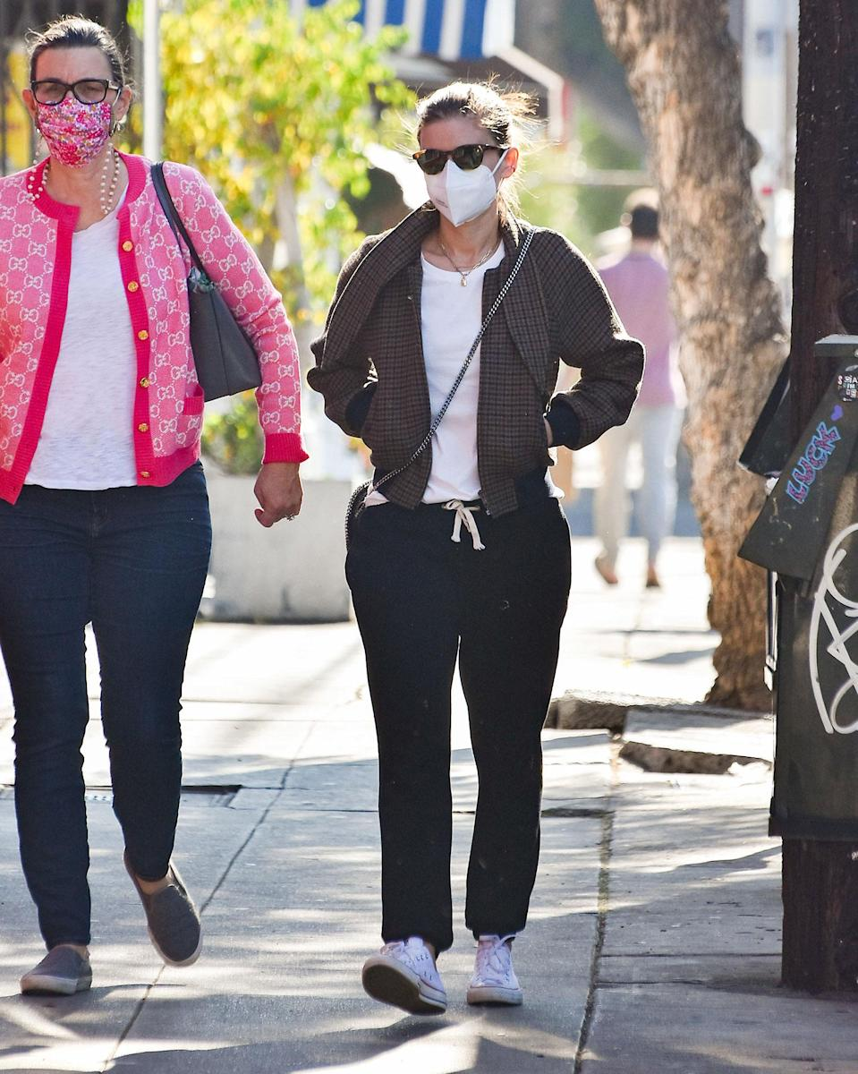 <p>Kate Mara was dressed in casual wear as she enjoyed a day out in Los Angeles.</p>