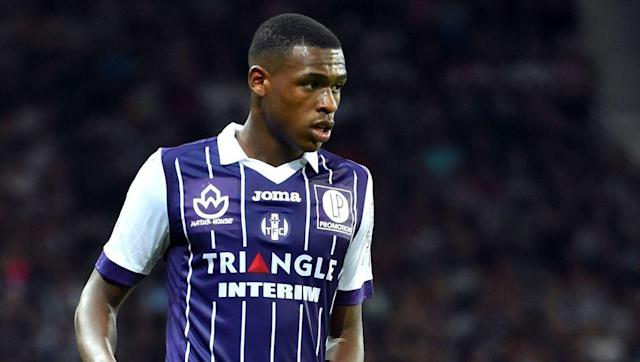 <p><strong>Birthday</strong>: January 9, 1997</p> <br><p>Toulouse has been a breeding ground for young football talents. Among the most famous youngsters revealed by <em>Les Violets</em> (the Purples), the likes of Fabien Barthez, Moussa Sissoko, Étienne Capoue, Wissam Ben Yedder...</p> <br><p>Today's young generation of <em>toulousains</em> seems to be lead by this little guy: Issa Diop, a 194cm centre-back who just turned 20. Toulouse, being a quite modest Ligue 1 team, tend to use their youngsters a lot, an optimal situation for Diop to grow: the boy already has more than 40 Ligue 1 games under the hood. </p> <br><p>He was also part of the amazing French U19 team that conquered Europe last summer alongside Jean-Kévin Augustin or Kylian Mbappé, notably scoring the 4th goal of the final. </p> <br><p><strong>Also born in 1997</strong>: Jorge Meré (Sporting Gijón)</p>