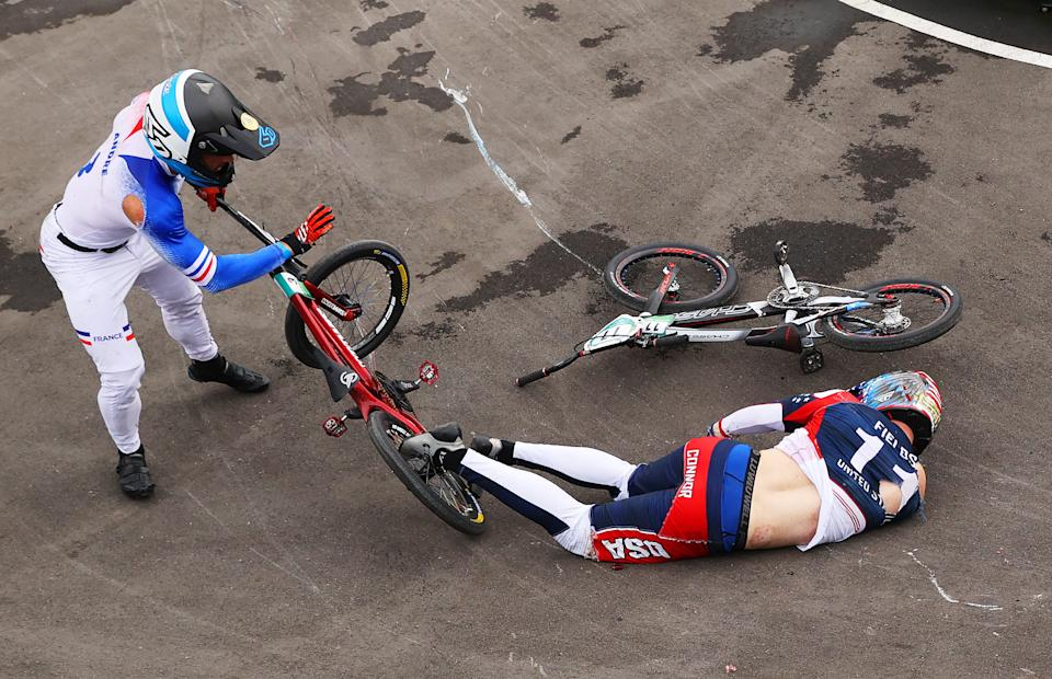 Connor Fields crashes at the Tokyo Olympics