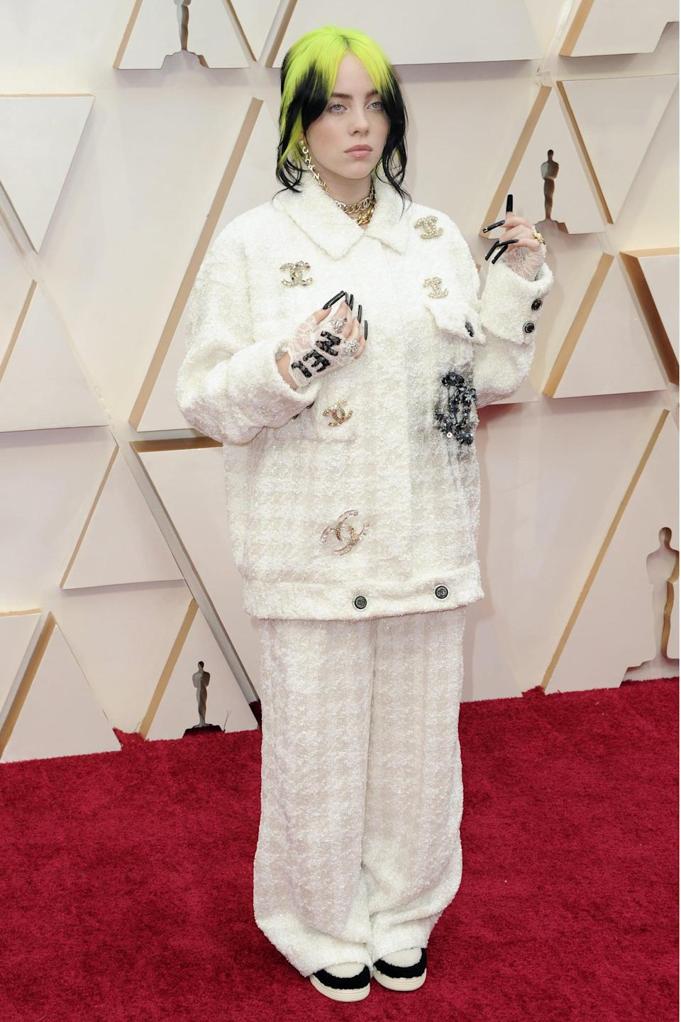 """<p>Billie showed up in head-to-toe Chanel to perform """"Yesterday"""" by The Beatles at the award show.</p>"""