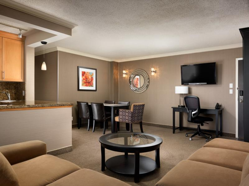 Best Western Plus Inner Harbour (Facebook)