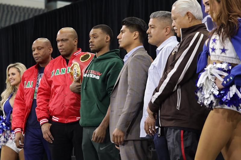Errol Spence and Mikey Garcia face off on Saturday for Spence's IBF welterweight title belt. (Jason Janik/Fox Sports)