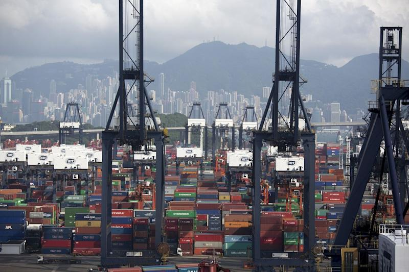 Hong Kong's Economy Slows as Trade War, Rates Squeeze Looms