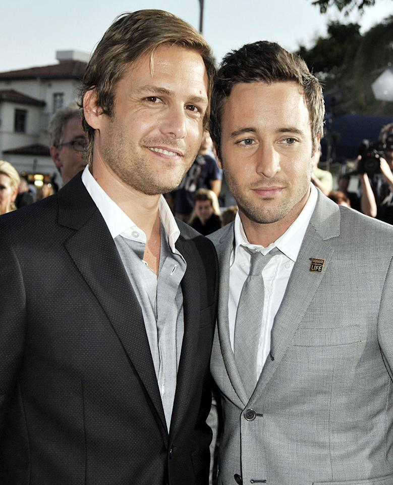 "<a href=""http://movies.yahoo.com/movie/contributor/1800405800"">Gabriel Macht</a> and <a href=""http://movies.yahoo.com/movie/contributor/1809670545"">Alex O'Loughlin</a> at the Los Angeles premiere of <a href=""http://movies.yahoo.com/movie/1809839458/info"">Whiteout</a> - 09/09/2009"