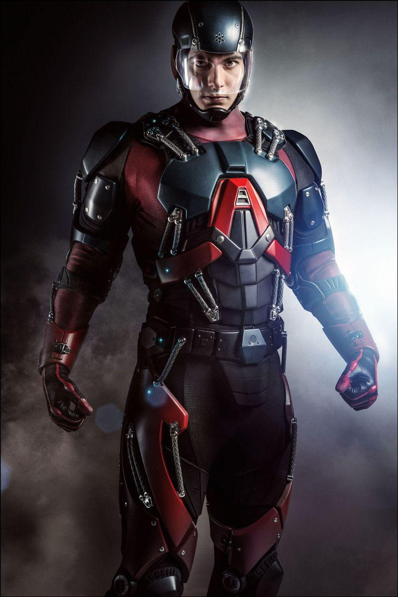 """<p>Producers planned to have Brandon Routh play Ted Kord (Blue Beetle), but The CW didn't have the <a href=""""https://www.uselessdaily.com/news/arrow-98-amazing-facts-about-the-tv-series-list/#.Wiq8wBNSxAY"""" rel=""""nofollow noopener"""" target=""""_blank"""" data-ylk=""""slk:rights"""" class=""""link rapid-noclick-resp"""">rights</a> to use him. Routh ended up playing Ray Palmer (The Atom).</p>"""