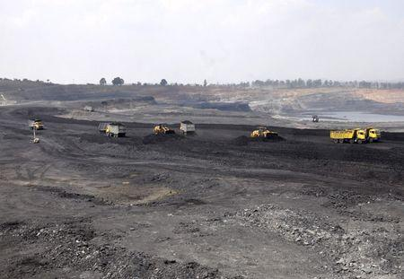A general view of Amarpali coal mine in Chatra district in the eastern state of Jharkhand, India, September 30, 2015. REUTERS/Stringer