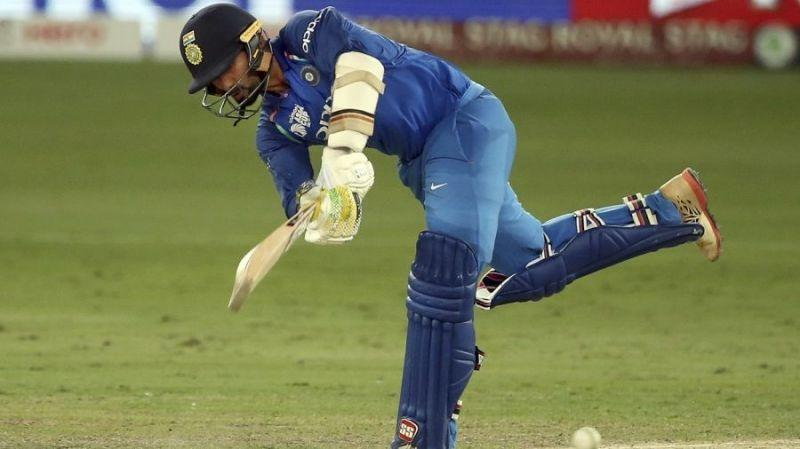 Dinesh Karthik might not find a place in India's Playing XI in World Cup 2019