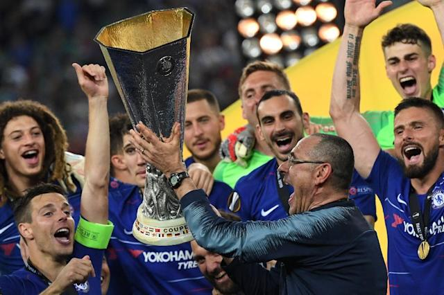 Maurizio Sarri lifted his first trophy as a coach in his final game in charge of Chelsea (AFP Photo/Kirill KUDRYAVTSEV)
