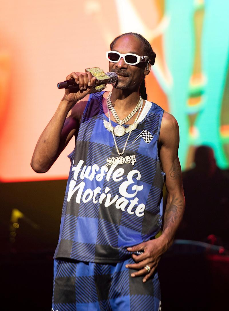 Snoop Dogg is the Glenn Close of the Grammys, as he's the artist with the most nominations and zero wins (joint with singer-songwriter Brian McKnight).<br /><br />The rapper has 17 Grammy nominations to his name, and was last nominated in 2016, for his contribution to Kendrick Lamar's album To Pimp A Butterfly.