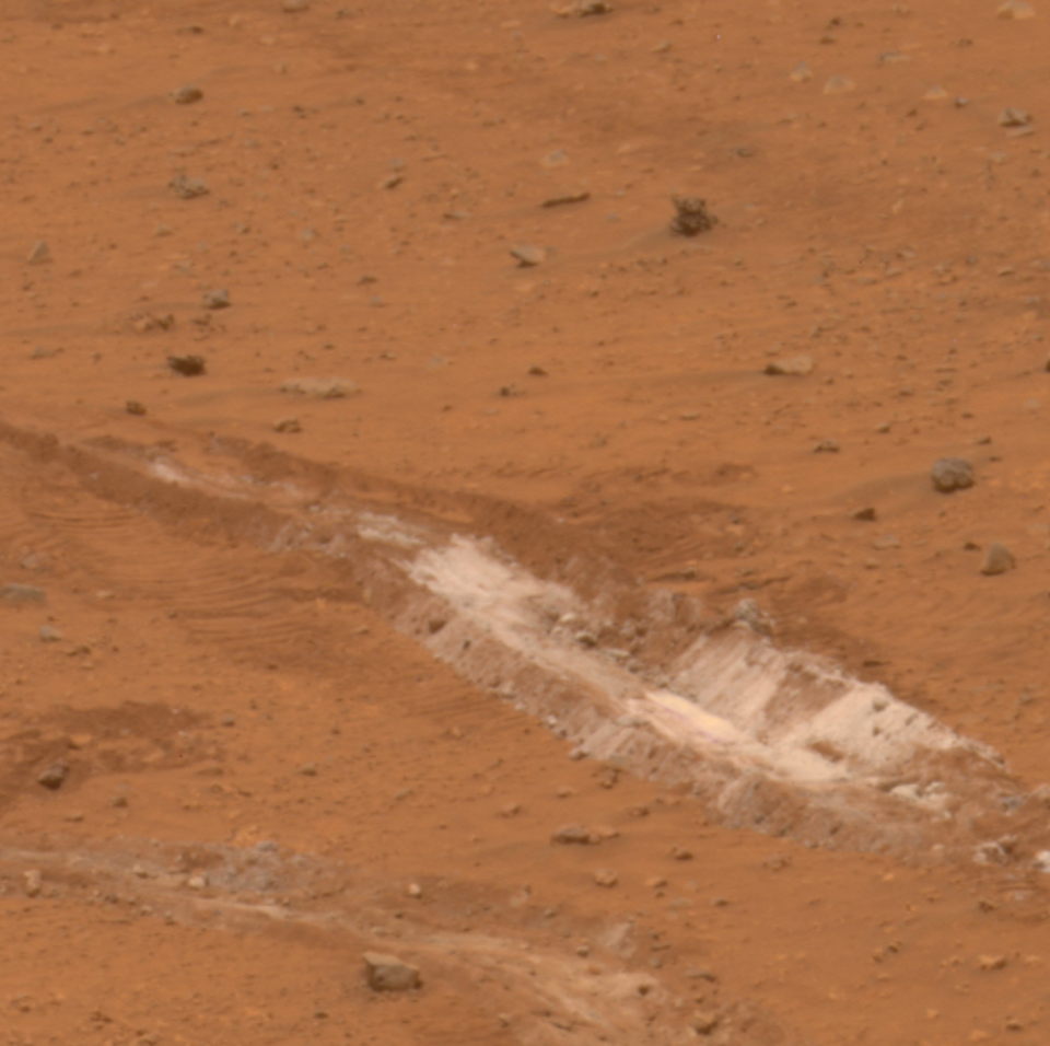 Rover exposes silica-rich dust