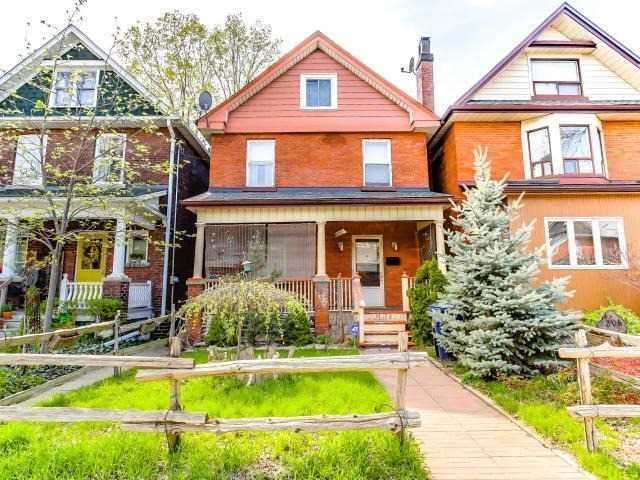 "<p><a rel=""nofollow"">204 Fairview Ave., Toronto, Ont.</a><br />Location: Toronto, Ontario<br />List Price: $999,000<br />(Photo: Zoocasa) </p>"