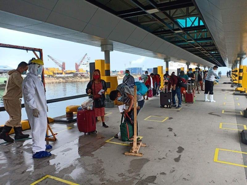 267 LSIs from Manila arrive in Bohol
