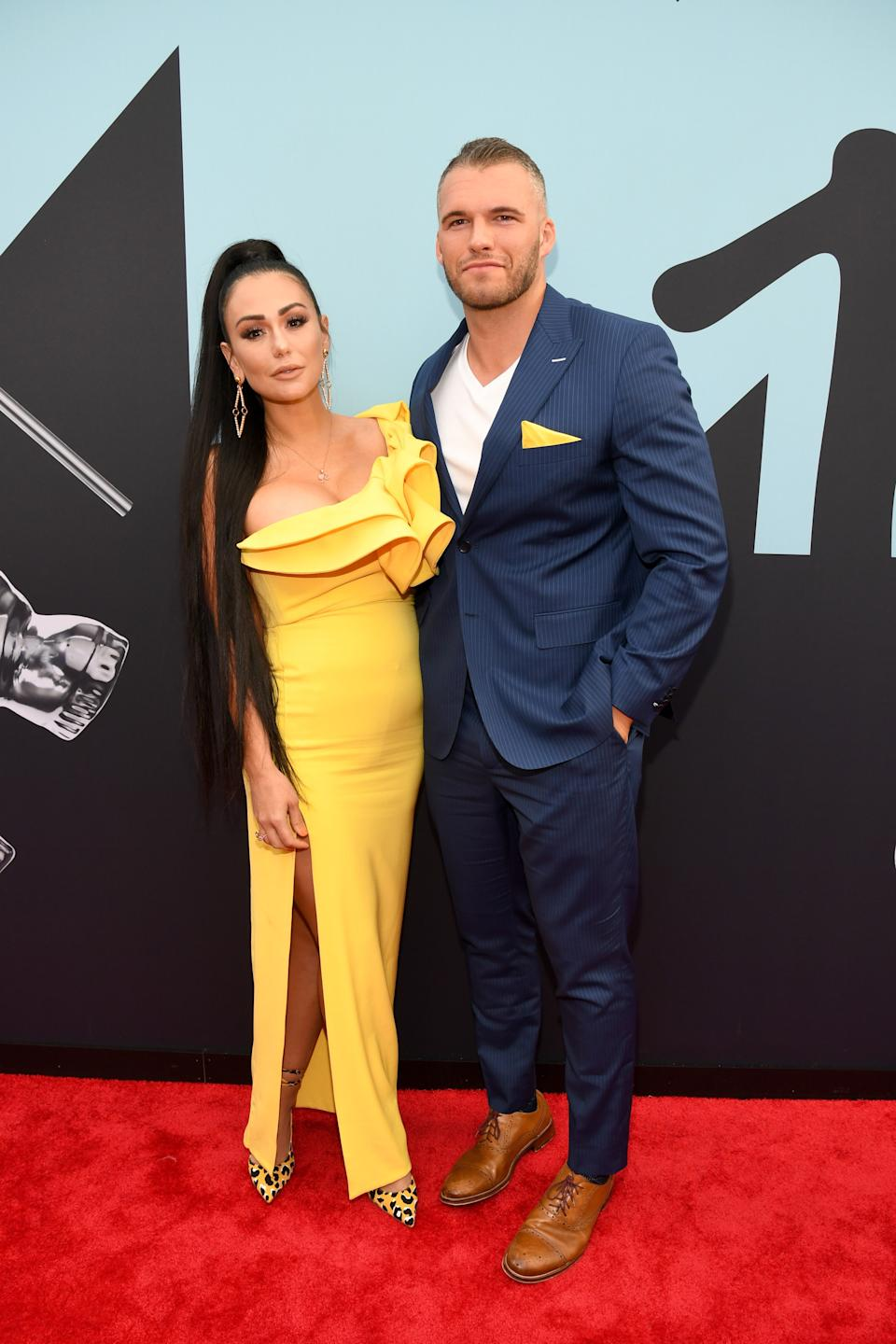 """<h1 class=""""title"""">JWoww and Zack Clayton Carpinello</h1><cite class=""""credit"""">Photo: Getty Images</cite>"""