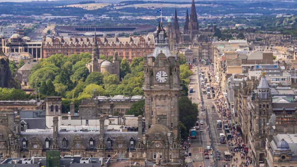 Scotland 'should ban non-electric cars in cities by 2030'