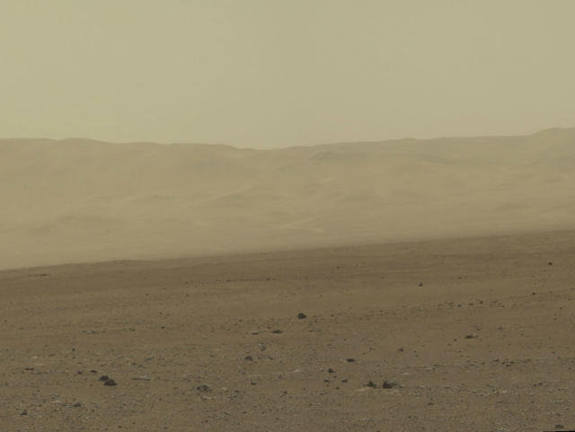 <p>This color image taken August 8, 2012 from NASA's Curiosity rover, and released August 13, shows part of the wall of Gale Crater, the location on Mars where the rover landed on August 5, 2012. (Photo: NASA/JPL-Caltech/MSSS/Reuters) </p>
