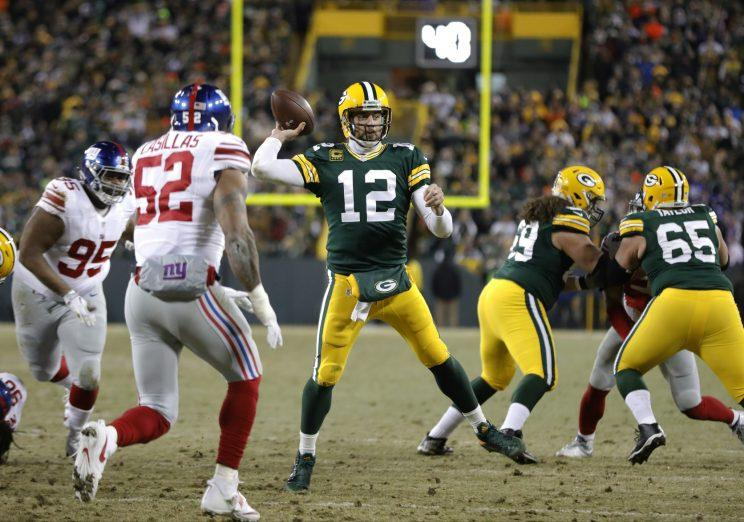 separation shoes 152e1 2b254 ANOTHER Hail Mary? Aaron Rodgers somehow does it again