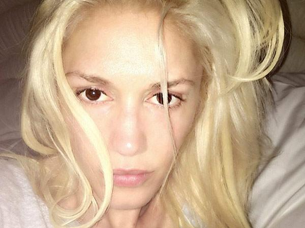 "<p>""The Voice"" coach posted a no-makeup selfie to her Instagram account on the evening of Thursday, May 12th. With tousled hair and flawless skin, her picture drew tons of compliments from her fans. ""Never have you looked so beautiful,"" gushed one. Another proclaimed: ""So you're twenty five?!"" <i>(</i><a href=""https://www.instagram.com/p/BFVf-q3uLet/?taken-by=gwenstefani&hl=en"" rel=""nofollow noopener"" target=""_blank"" data-ylk=""slk:Photo: Instagram/Gwen Stefani"" class=""link rapid-noclick-resp"">Photo: Instagram/Gwen Stefani</a><i>) </i></p>"