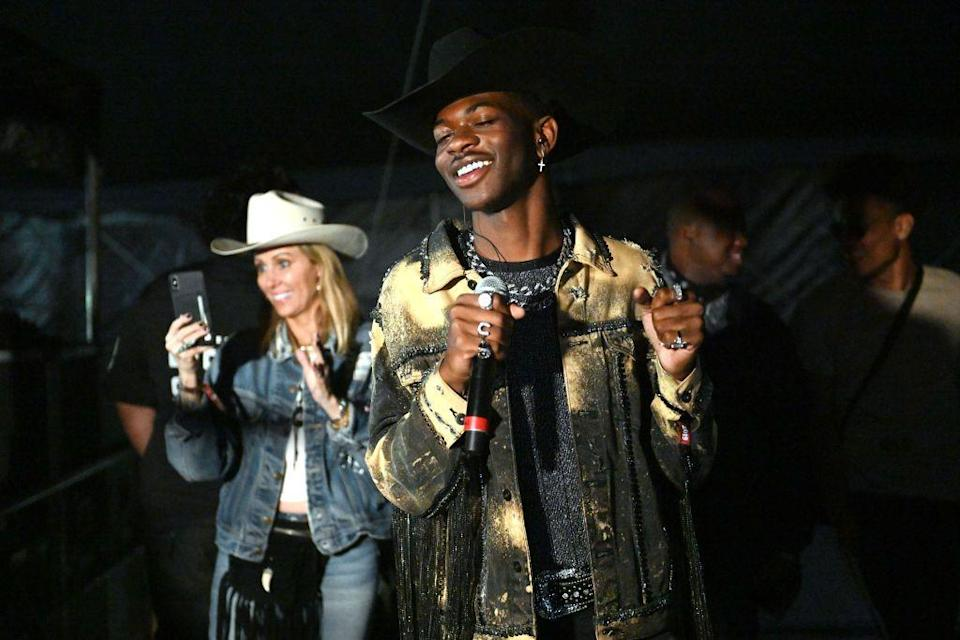 <p>At Stagecoach, the singer wore a dyed denim jacket, studded belt, and a ton of silver jewelry. I have my eye on the one that's in the shape of a horseshoe. </p>