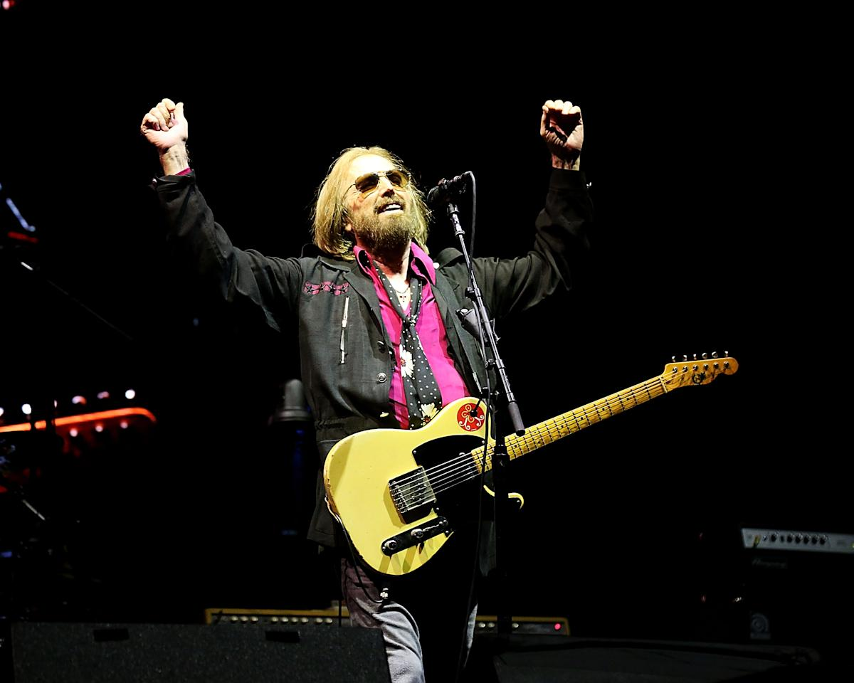"<p>On Oct. 2, the iconic rocker and Heartbreakers frontman died, after being <a rel=""nofollow"" href=""https://www.yahoo.com/music/tom-petty-dies-rock-legend-040855489.html"">found unconscious</a> and in cardiac arrest at his home in Malibu, Calif. It was a loss that left the music world reeling. The Rock and Roll Hall of Famer, whose many hits include ""I Won't Back Down,"" ""Free Fallin',"" and ""Learning to Fly,"" was 66. ""It's shocking, crushing news,"" Bob Dylan, Petty's bandmate in the Traveling Wilburys, said in a statement to <a rel=""nofollow"" href=""https://www.rollingstone.com/music/news/tom-petty-rock-iconoclast-who-led-the-heartbreakers-dead-at-66-w506651""><i>Rolling Stone</i></a>. ""I thought the world of Tom. He was a great performer, full of the light, a friend, and I'll never forget him."" (Photo: Getty Images) </p>"