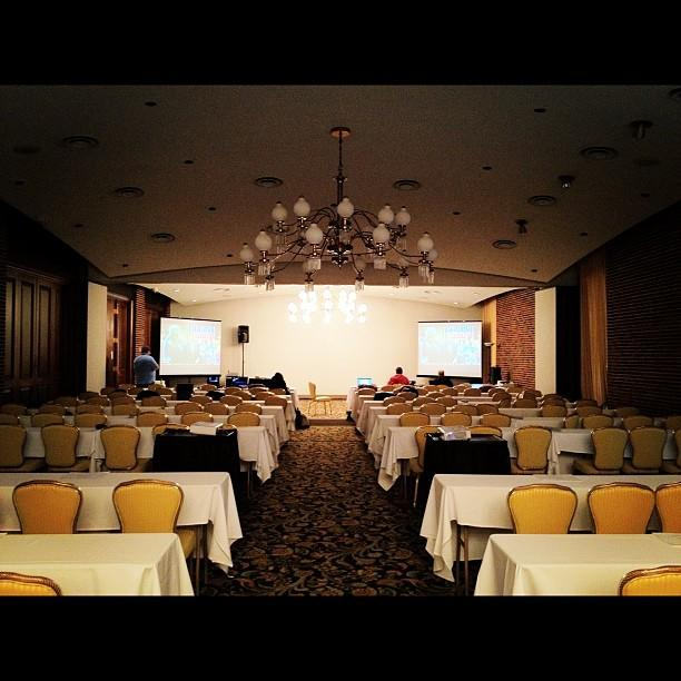 Calm before the storm (Romney press file at Hotel Fort Des Moines). Photo by Holly Bailey/Yahoo!