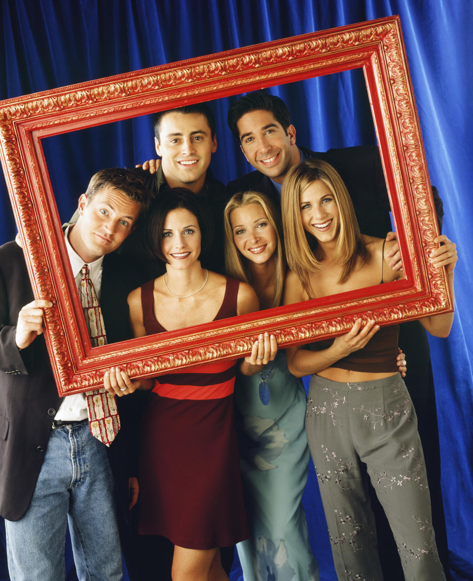 FRIENDS -- Pictured: (front l-r) Matthew Perry as Chandler Bing, Courteney Cox as Monica Geller, Lisa Kudrow as Phoebe Buffay, Jennifer Aniston as Rachel Green (back l-r) Matt LeBlanc as Joey Tribbiani, David Schwimmer as Ross Geller  (Photo by Jon Ragel/NBCU Photo Bank/NBCUniversal via Getty Images via Getty Images)