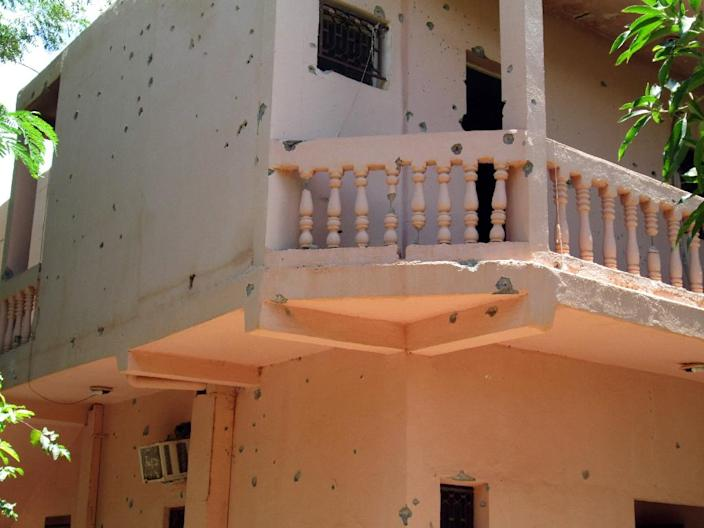 Bullet holes in the walls of the Hotel Byblos in the central Malian town of Sevare, after gunmen stormed the hotel on August 7, 2015 (AFP Photo/)