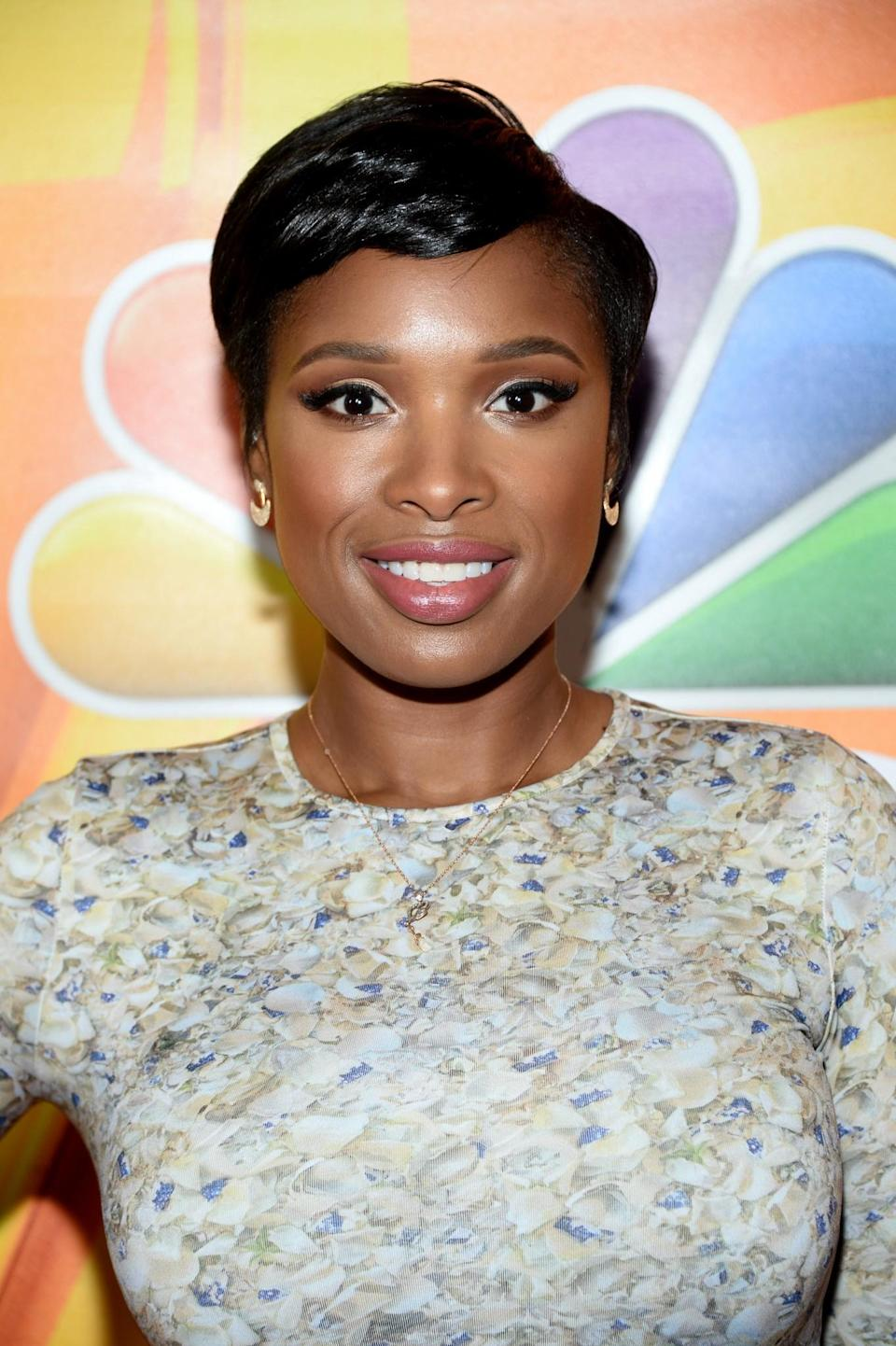 <p>The singer showcased a shorter chop in 2016 and it looks mighty fine. [Photo: Getty] </p>