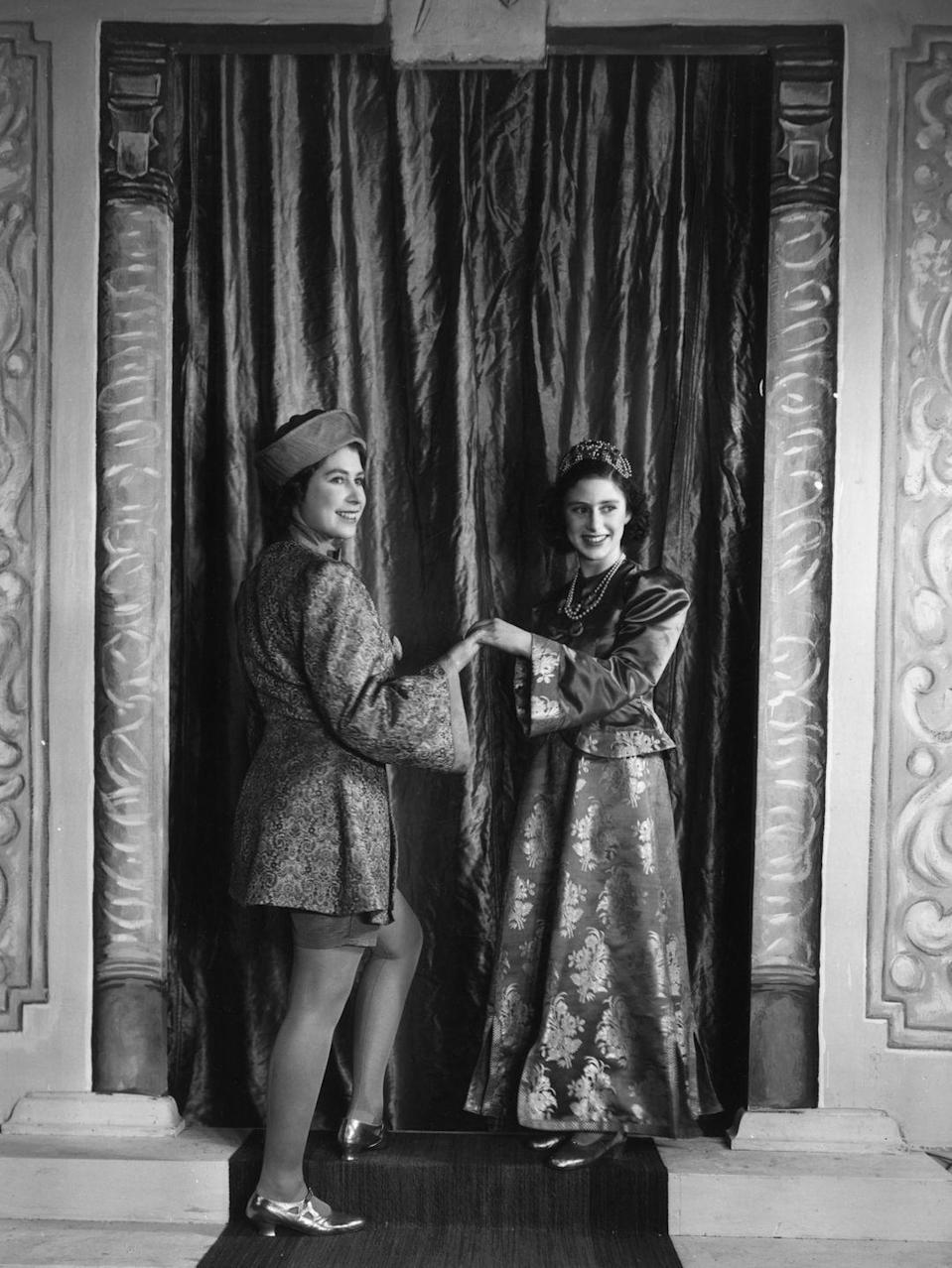 <p>Princess Elizabeth and Princess Margaret put on a royal production of 'Aladdin' at Windsor Castle for Christmas.</p>