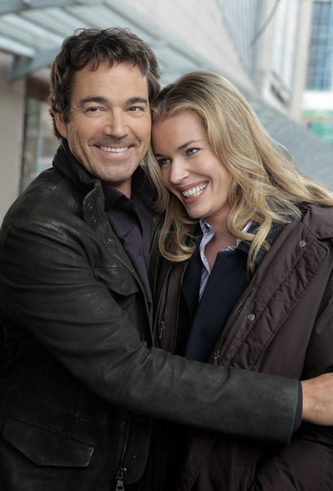 "Jon Tenney as Sean King and Rebecca Romijn as Michelle Maxwell in the ""King & Maxwell"" episode, ""Second Chances."""