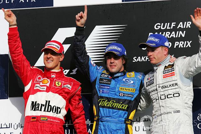 "Podio: 1. Fernando Alonso, 2. Michael Schumacher, 3. Kimi Raikkonen <span class=""copyright"">Sutton Motorsport Images</span>"