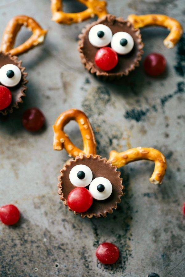"""<p>These wide-eyed reindeer will be a kid-favorite thanks to the mini Reese's Peanut Butter cup faces.</p><p><strong>Get the recipe at <a href=""""https://www.chelseasmessyapron.com/5-ingredient-christmas-treats/"""" rel=""""nofollow noopener"""" target=""""_blank"""" data-ylk=""""slk:Chelsea's Messy Apron"""" class=""""link rapid-noclick-resp"""">Chelsea's Messy Apron</a>.</strong> </p>"""