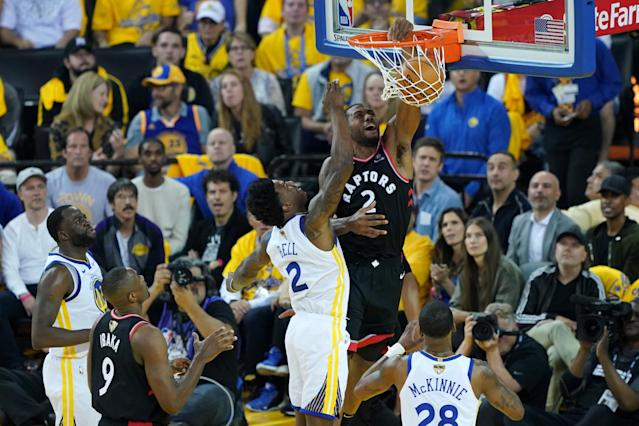 Kawhi Leonard #2 of the Toronto Raptors dunks the ball against the Golden State Warriors in the first half during Game Three of the 2019 NBA Finals at ORACLE Arena on June 05, 2019 in Oakland, California. (Photo by Thearon W. Henderson/Getty Images)